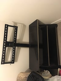 Tv stand great condition up to 70 inch first come first serve Calgary, T1Y 7M3