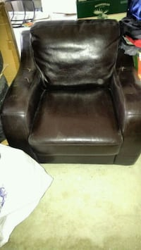black leather padded sofa chair Whitchurch-Stouffville, L4A 0L7