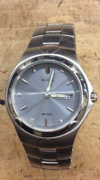 Citizen eco drive WR 100 stainless steel watch pre owned 805713-1 Baltimore, 21205