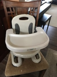 Baby's white and black portable high chair Surrey, V3S 9C1