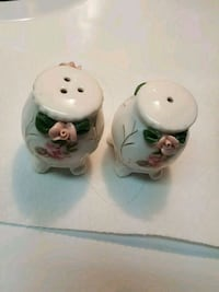 Brand new salt and pepper shakers Toronto, M2R 2M6