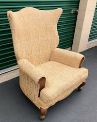 VINTAGE OVERSIZED HIGHBACK OVERSIZED CHAIR San Diego County, 92007