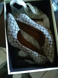 Outhentic coach shoes size 7 San Diego