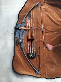 Black compound bow and arrows Mission, V4S 1G7