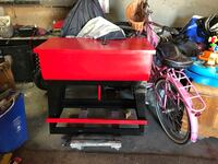 Black and red parts cleaning station Victorville, 92392