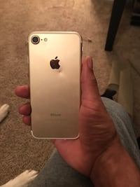 gold iphone 7 128gb Gainesville, 32605