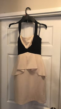 BCBG Size 0 Fitted Cream/Black Dress Mississauga