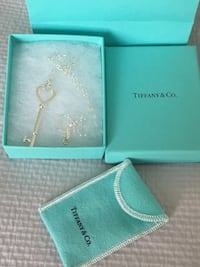 Brand new beautiful Tiffany & Co heart key necklace