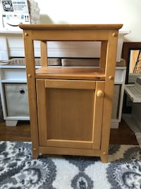 brown wooden 2-door cabinet New York, 11361