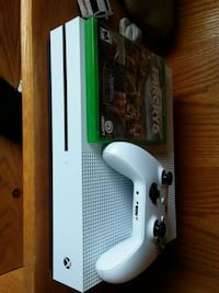 white Xbox One console with controller Cleveland, 53015