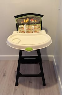 Baby's white and black high chair Montréal, H1L 2V9