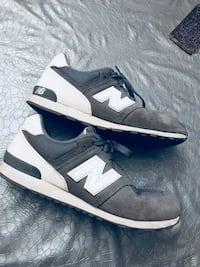 Baskets basses New Balance marron et blanc
