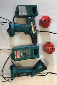 Makita cordless drill and light 2battery 2 charge