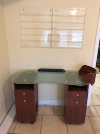 Manicure table and polish rack Baltimore