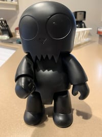 Qee Toy2R Black Skull highly collectable Japanese Toy.