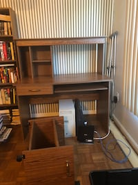 Desk- or best offer Woodbridge, 22192
