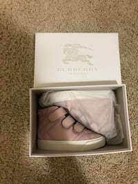 Toddler Burberry sneakers size 23  Tracy, 95377