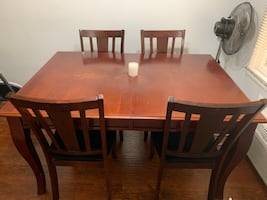 5 piece dining table and chair set!