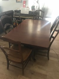 Dining room table and 6 chairs Lancaster, 93534