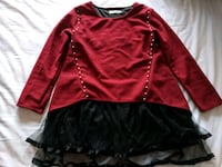 Red pearl lined tunic with black tulle M Montréal, H8P 2X1