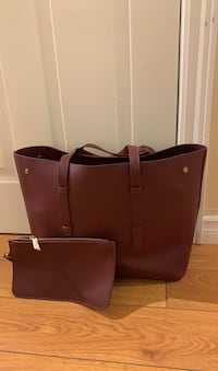Maroon large tote and wristlet