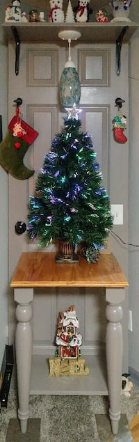 Custom hall tree