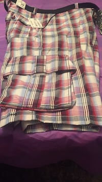 Men shorts lots of pockets size 36 Chicago, 60619