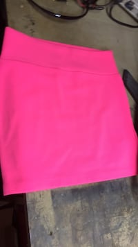 Women's pink skirt Cambridge, N3H 1Z1