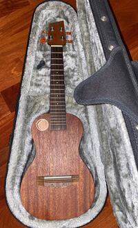 Riptide Concert Ukulele with hard case
