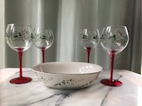 Winterberry Holiday bowl and 4piece hand painted stem wine glass set NEW 26 mi