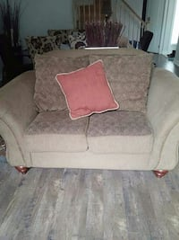 beige and gray floral loveseat Ontario, L9G 1W5