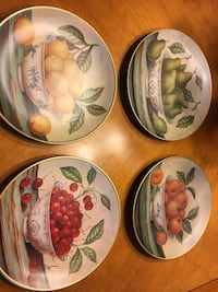 Decorative plates - excellent condition  Dallas, 97338