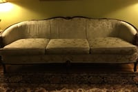 WOOD TRIMMED DEMASK COUCH Vaughan, L4K 5W4