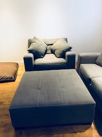 Grey  sectional couch Montréal, H4A 3B5