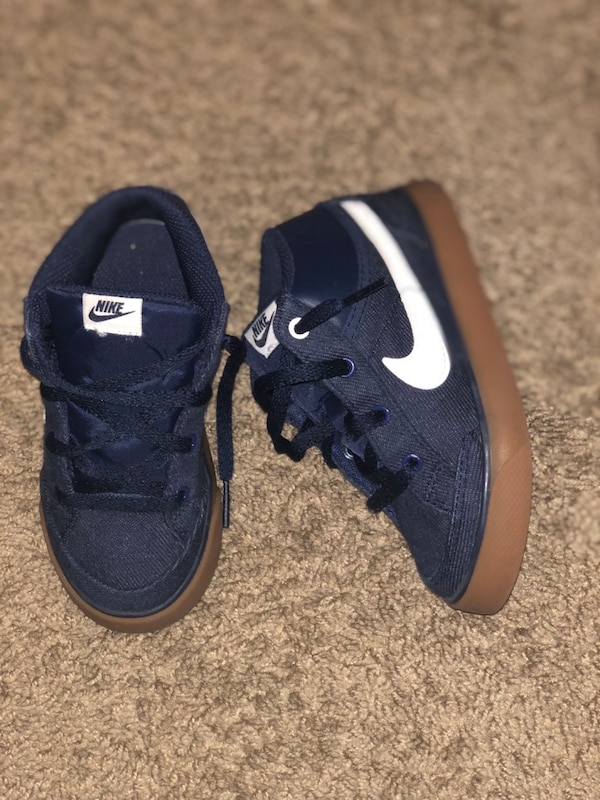 e73a9f5c4b502d Used Pair of black nike running shoes for sale in Mableton - letgo