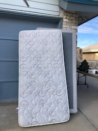 white and gray floral mattress El Paso, 79907