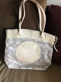 white and gray Coach leather tote bag Beaumont, 77706