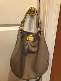 Marc Jacobs Classic Q hobo bag (shoulder or crossbody wear) Palatine