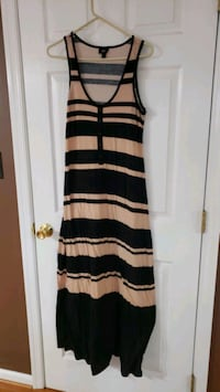 Brown and salmon color maxi dress size Lg  Fairfield, 17320