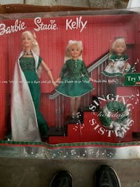 new in box holiday barbie 2000 Long Beach, 39560