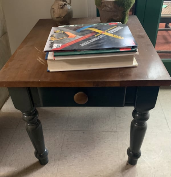 WOODEN SIDE TABLE WITH DRAWER – SPRINGDALE - $80 92cca22a-e786-40fc-ac9c-5cdeca0f6d2d