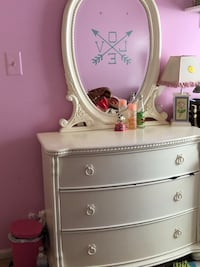 white wooden dresser with mirror 33 km