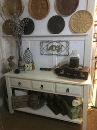 Console table  Los Angeles, 90033