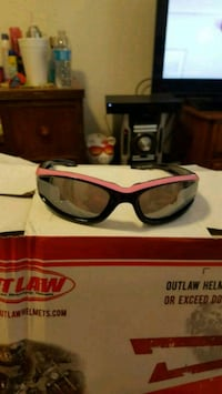 red framed sunglasses with box Bakersfield, 93311
