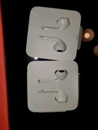 $25.00 Each New iPhone headphones With lighting Connector Old Town Manassas, 20111