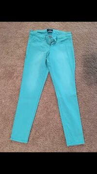 Size 4 American Eagle skinny jeans  Noblesville, 46062