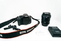canon T3i - new sigma lens (wall charger & 2 batteries)