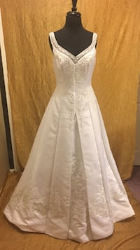 Classic Tulle Wedding/Ball Gown - Crystal Beaded Size 10. Las Vegas