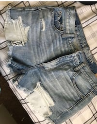 Brand new shorts from American eagle !! Size 8 but fit as a 6 2160 mi
