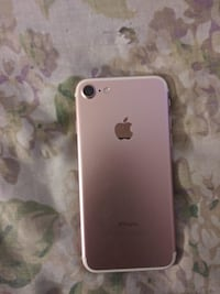 Iphone 7 rose gold 125 GB price negotiable Greenbelt, 20770